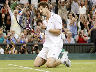 Andy-Murray-Wimbledon-2009-rd-4-celeb_2323214