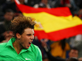 Rafael-Nadal-Spanish-flag-Beijing-2009_2370600