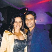 Sania Mirza dumps her boyfriend to stay on tour!