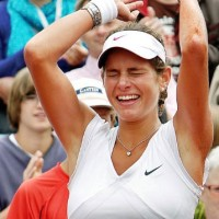 Julia Goerges wins her first WTA title in Bad Gastein.